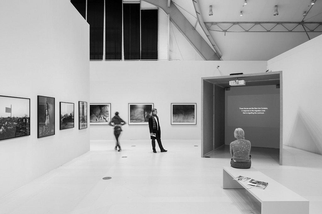 My series Borders II. on display in the box. Deichtorhalle, Hamburg. Deichtorhallen, Hamburg, 2017. ©Henning Rogge.